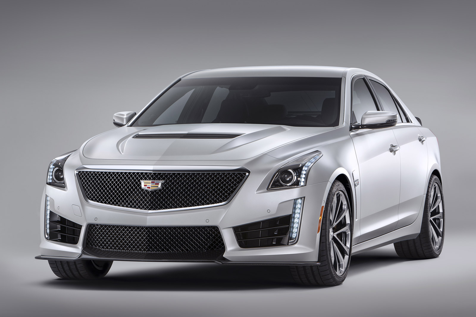2015 Chrysler 300, 2015 Dodge Charger, 2016 Cadillac CTS-V: What's New @  The Car Connection
