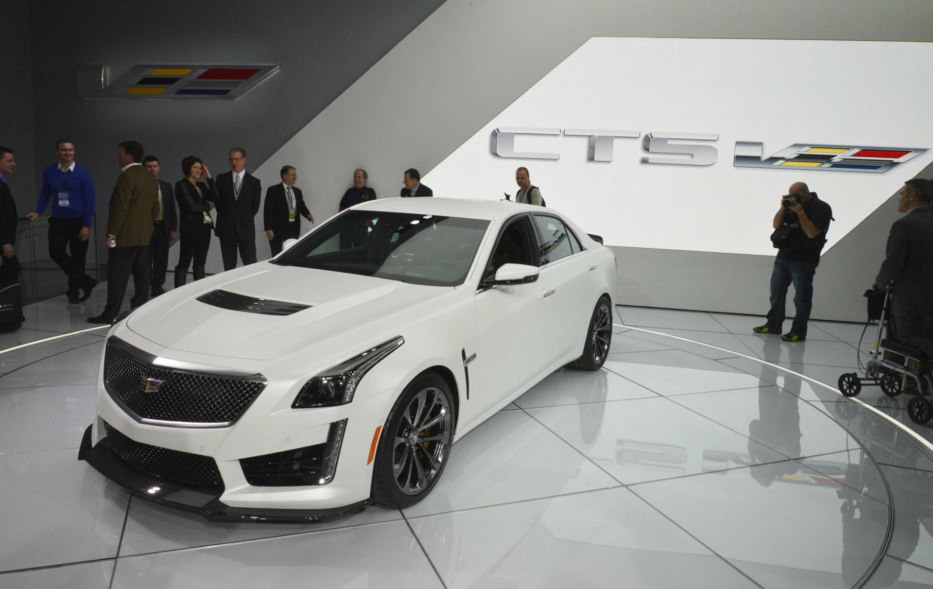2016 Cadillac CTS-V Debuts In Detroit: Live Photos & Video