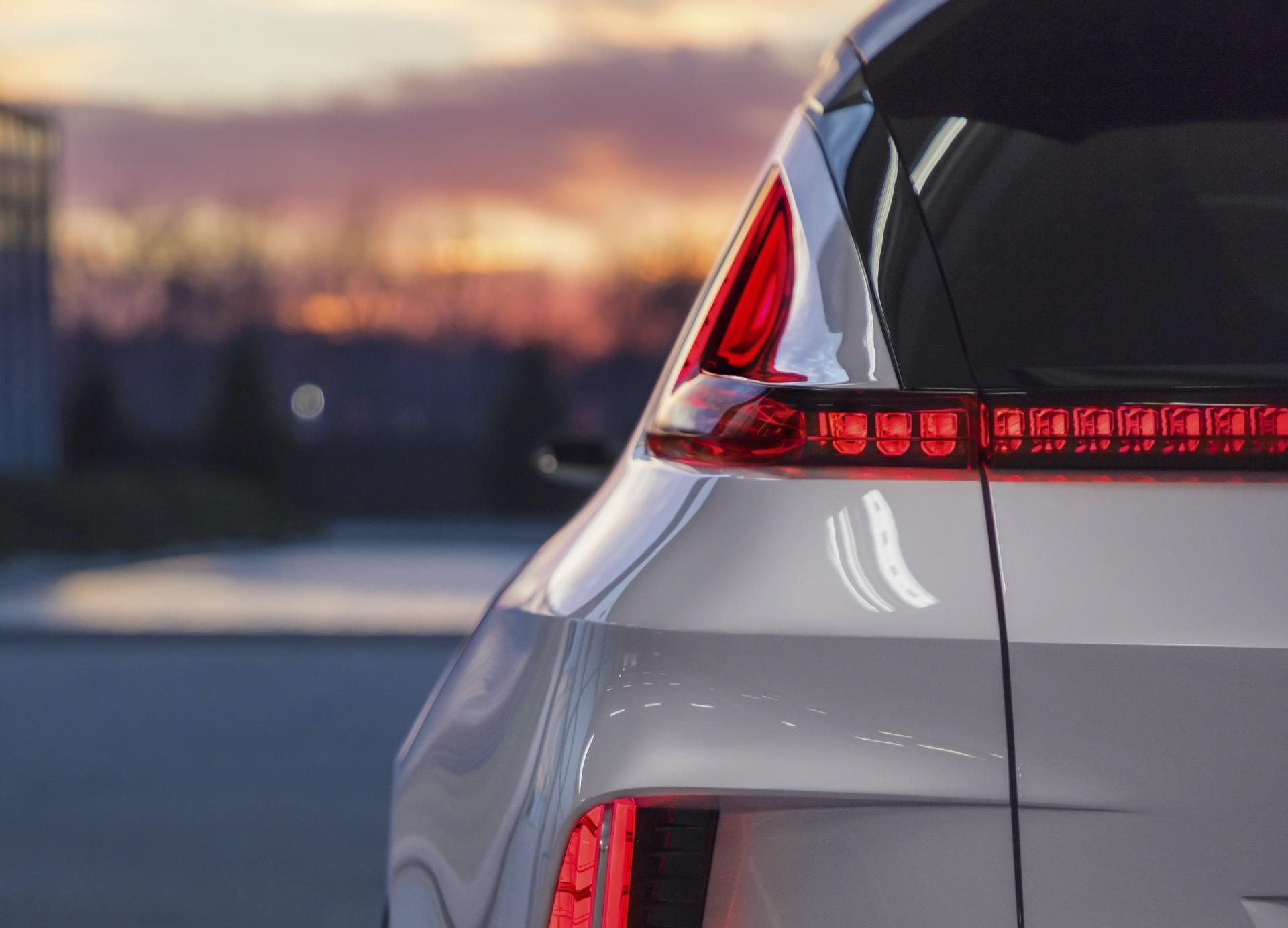 RAV4 Prime sales, EQS debut, GM batteries, Ioniq 5 or EV6: Today's Car News