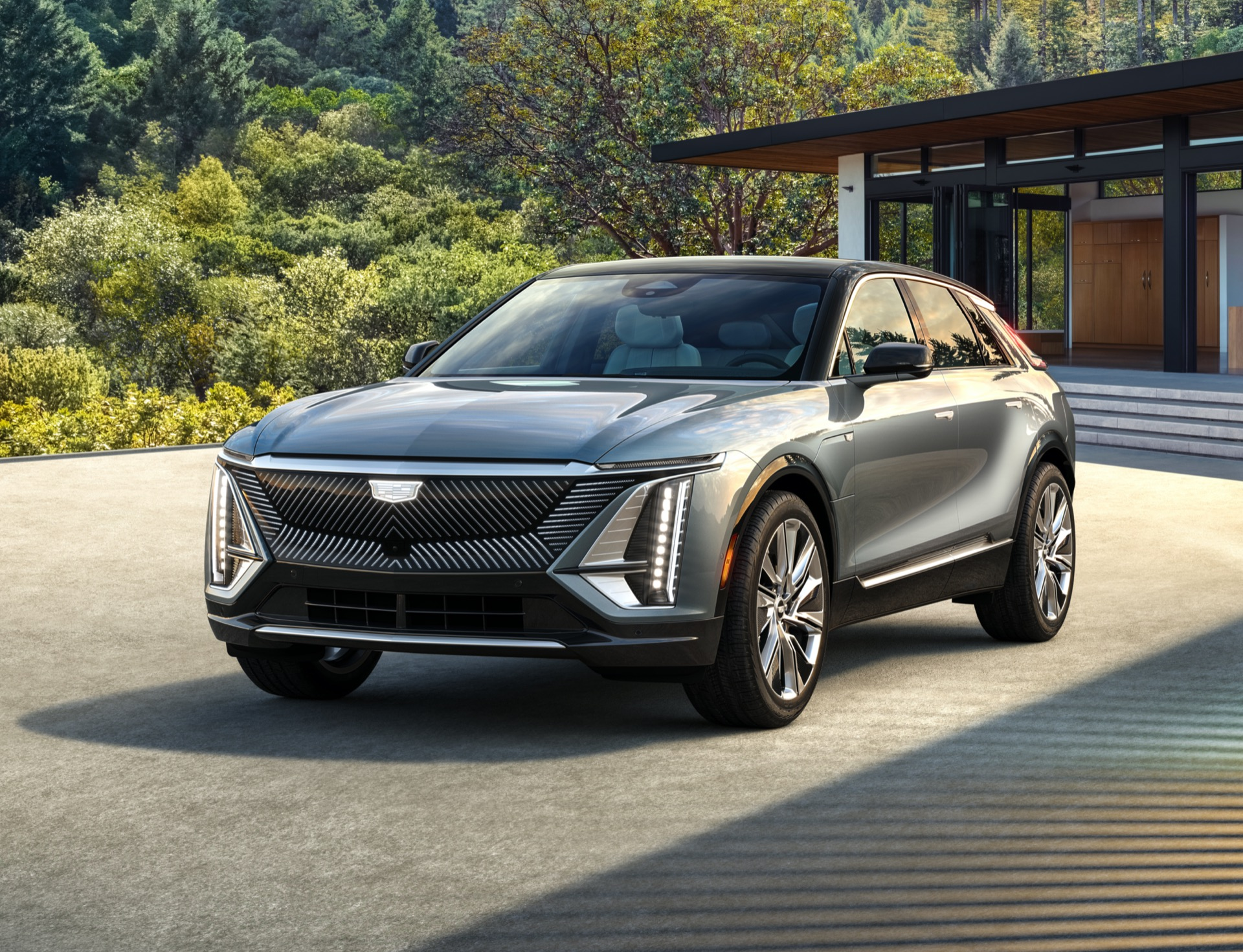2023 Cadillac Lyriq starts at $59,990, guides GM down all-electric path