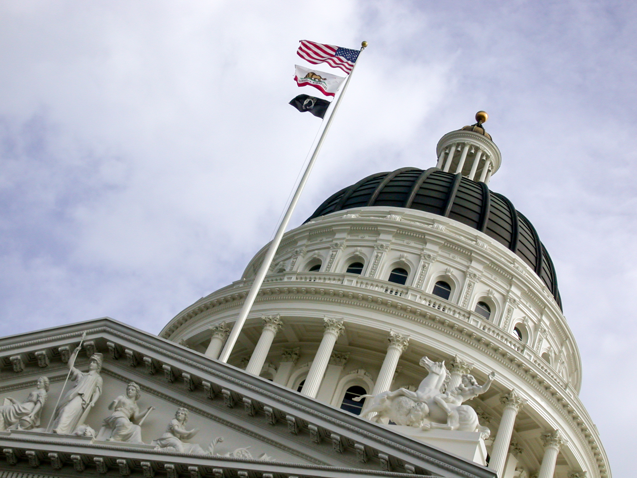 Bill could ban gasoline-car sales in California by 2040