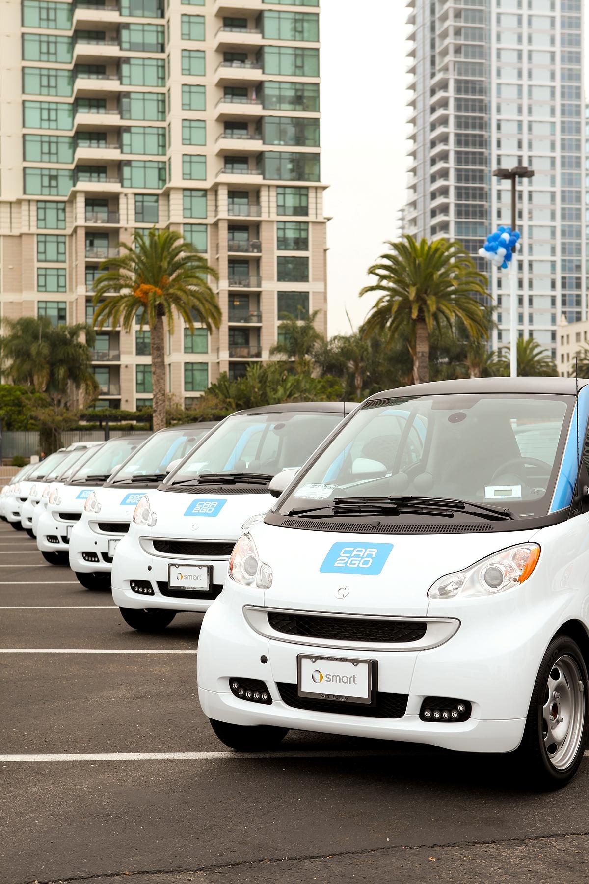 Smart Car Rental >> Car2go Electric Car Rentals Top 6 000 Registrations In 100 Days