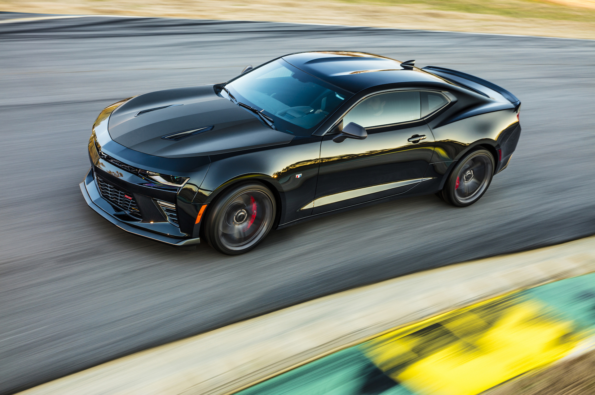 Camaro 2017 Gt >> 2017 Camaro Ss 1le Might Be Faster On Track Than Mustang Gt350