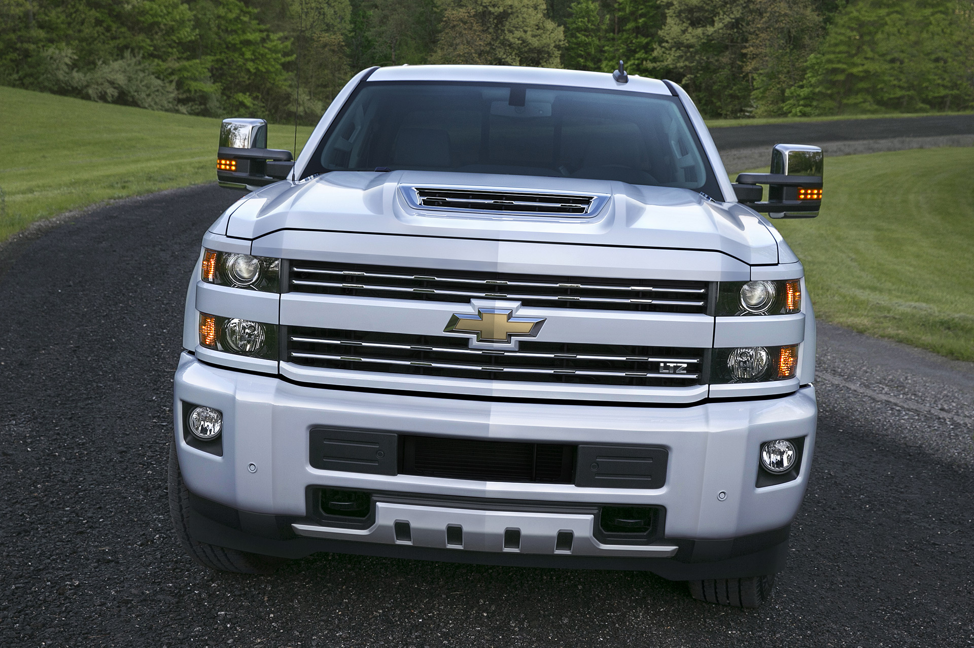 2017 Chevrolet Silverado 2500hd Gets New Hood Scoop To Feed Its Diesel Tesla Engine Diagram