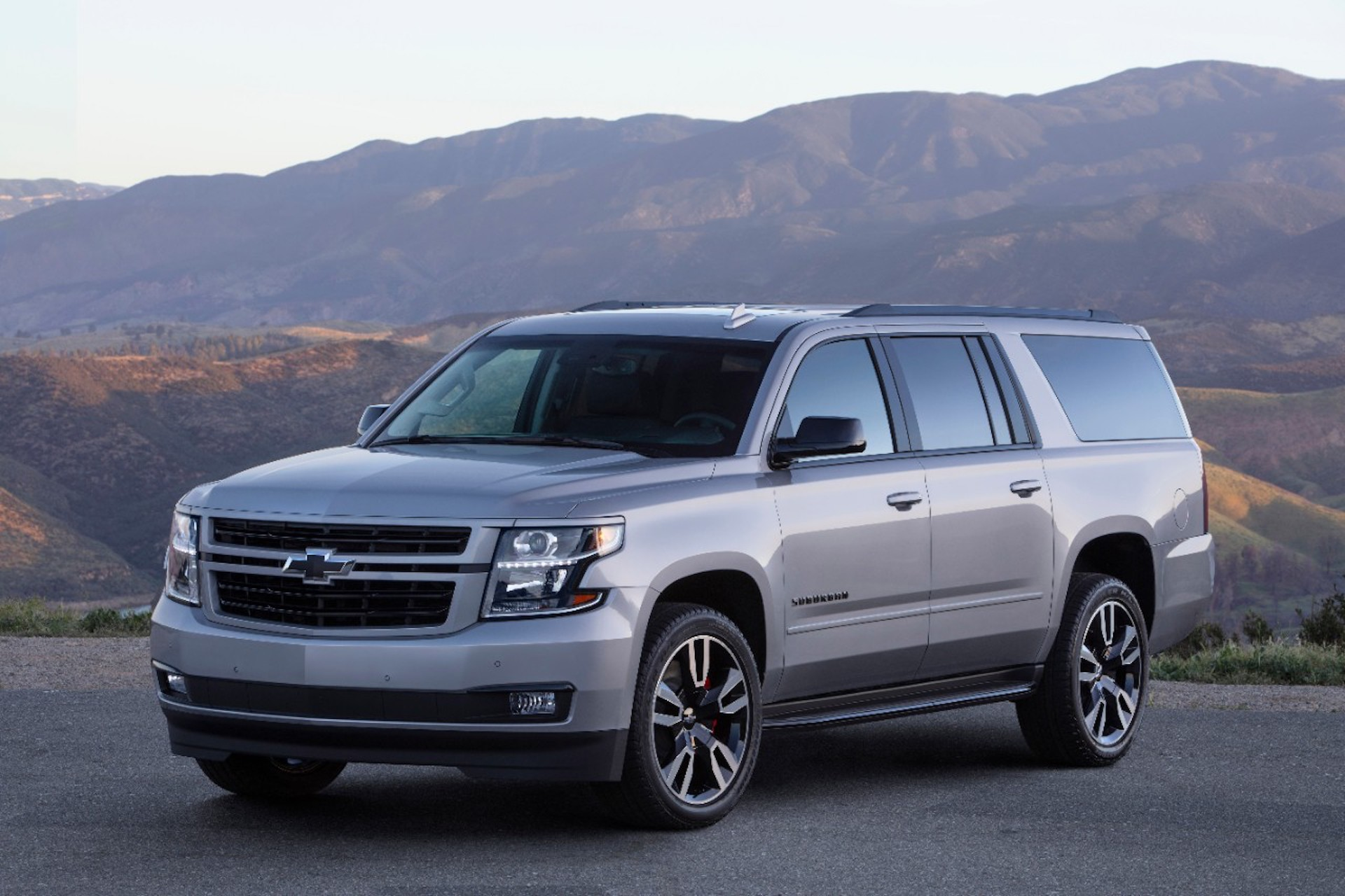 2019 Chevrolet Suburban RST to offer 420-hp 6.2-liter V-8