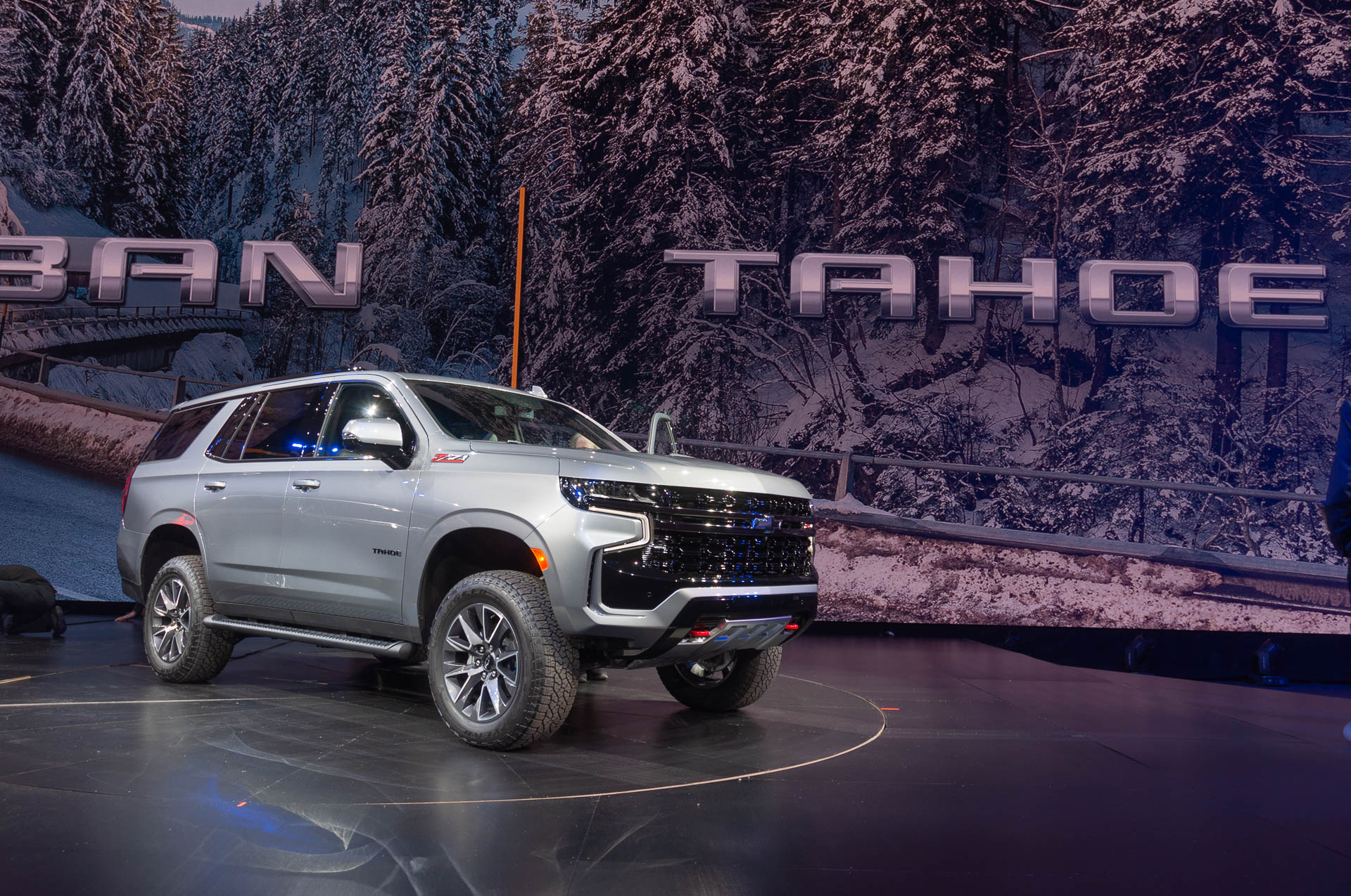 2021 Chevrolet Tahoe and Suburban double down on tech ...
