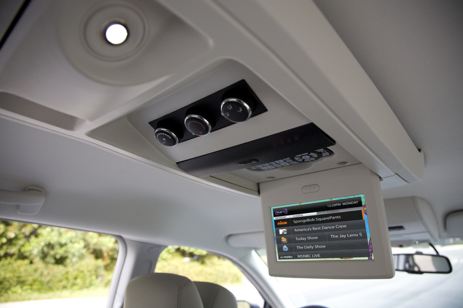 Chrysler Drops Sirius Backseat TV