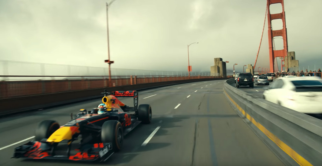 Daniel Ricciardo does San Francisco to Vegas in an F1 car