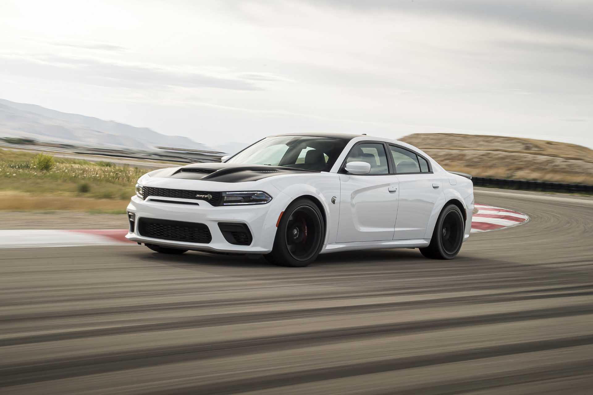 797 Horsepower 2021 Dodge Charger Srt Hellcat Redeye Is Here To Pick Up The Kids