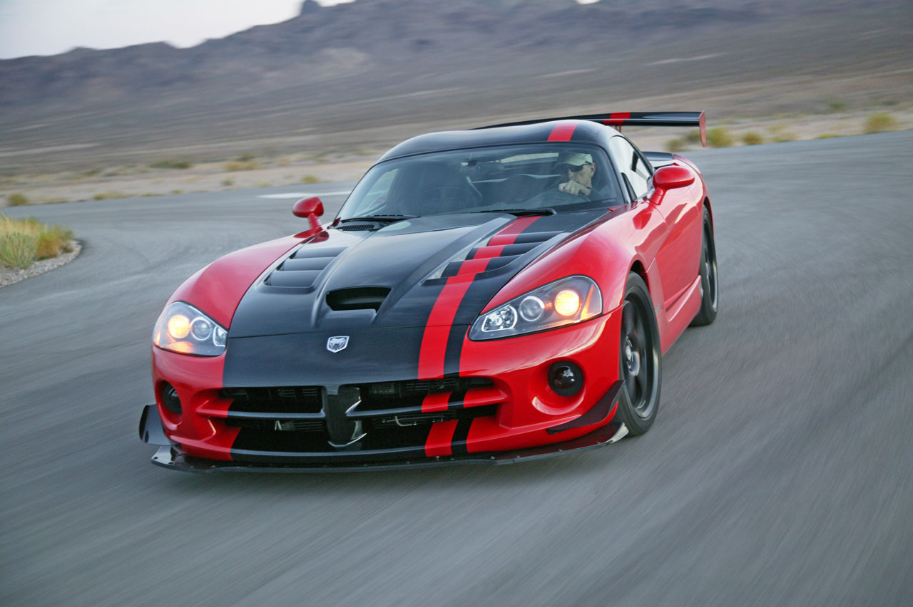 Video: 2010 Dodge Viper SRT10 ACR Sets Laguna Seca Lap Record