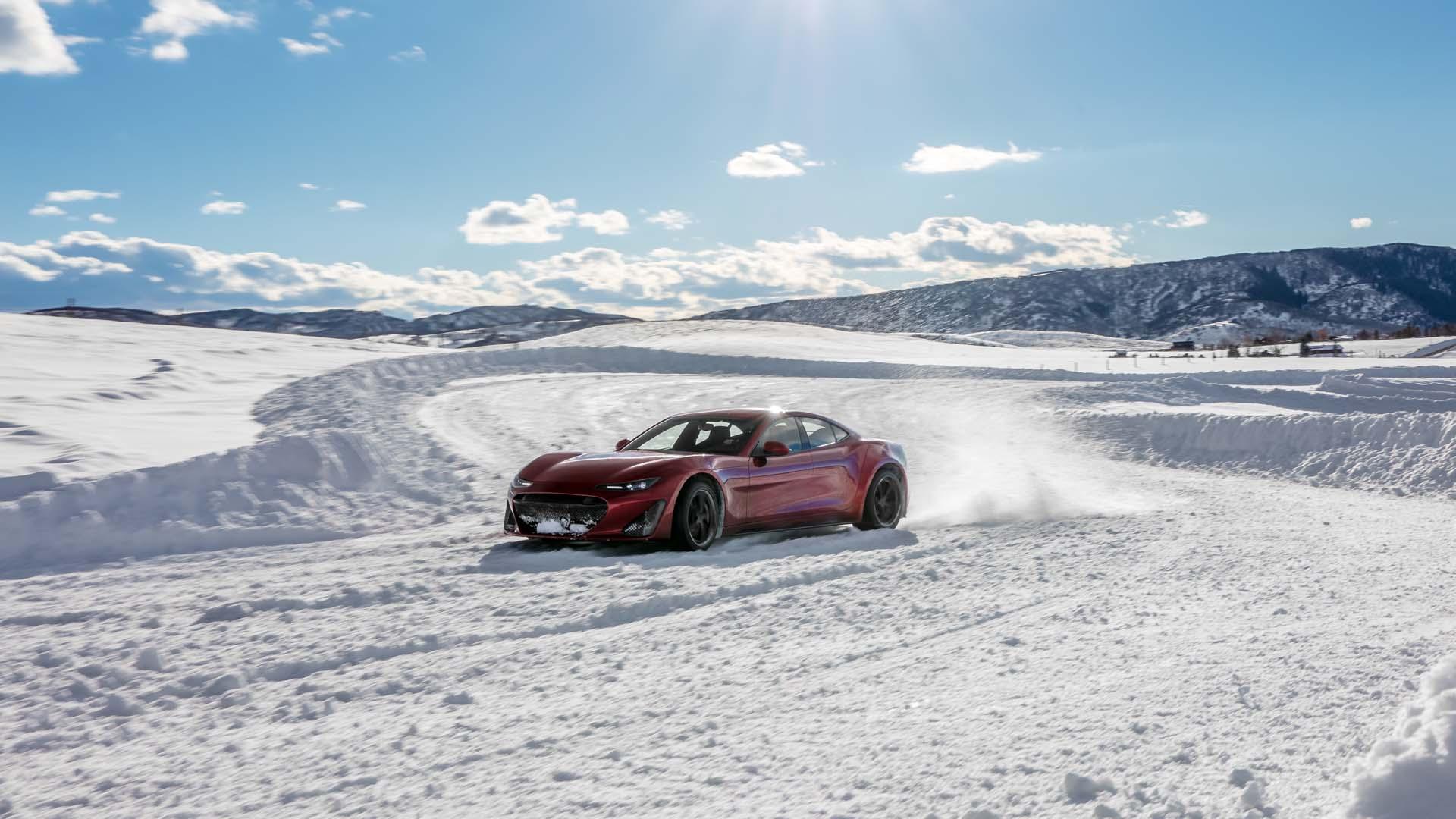 "2022 Chevy Bolt EUV drive, ""massless"" battery, Tesla range below zero: Today's Car News"
