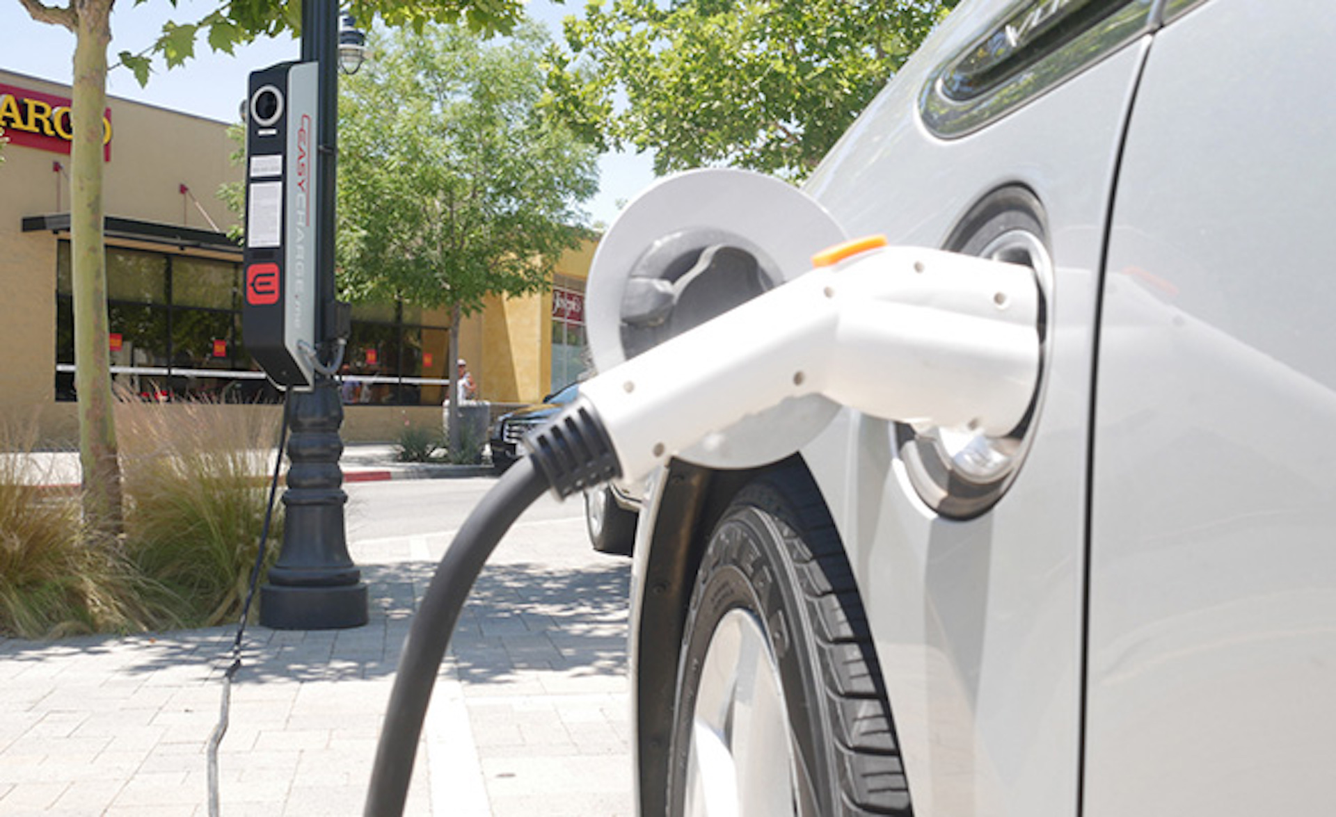 Arizona Joins 7 Western States In Deal To Expand Electric