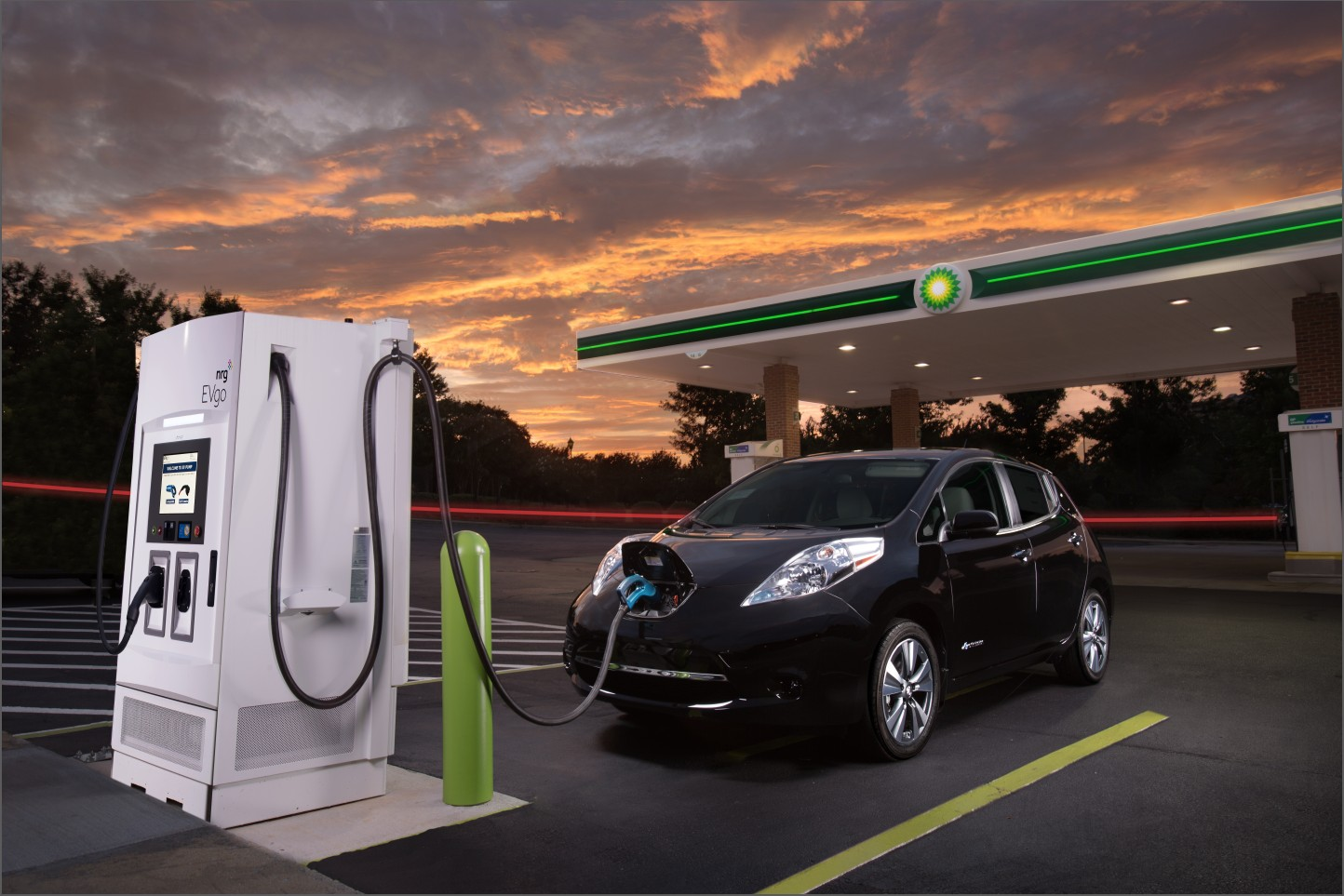 Nissan partners with oil company for electric-car fast ...