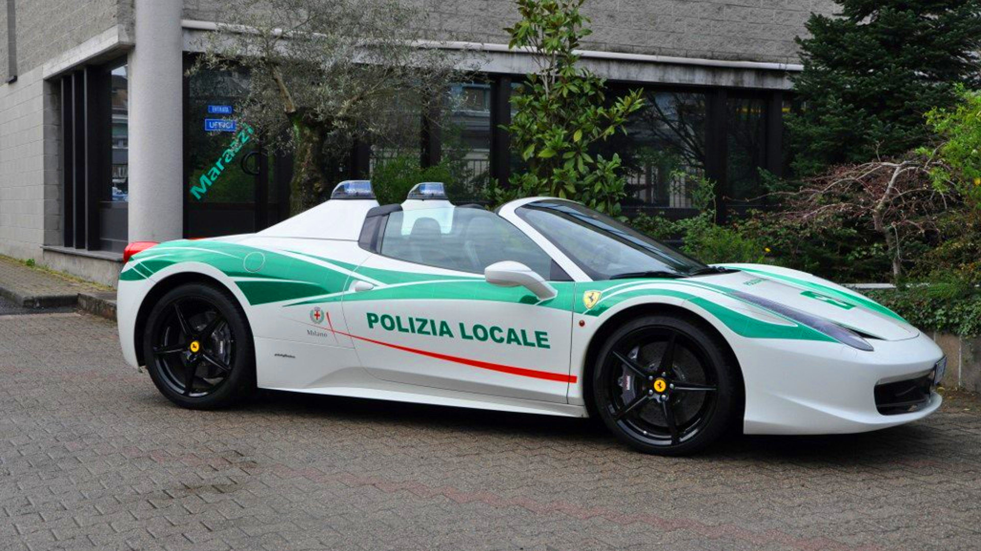 Mafia S Confiscated Ferrari 458 Turned Into Police Car