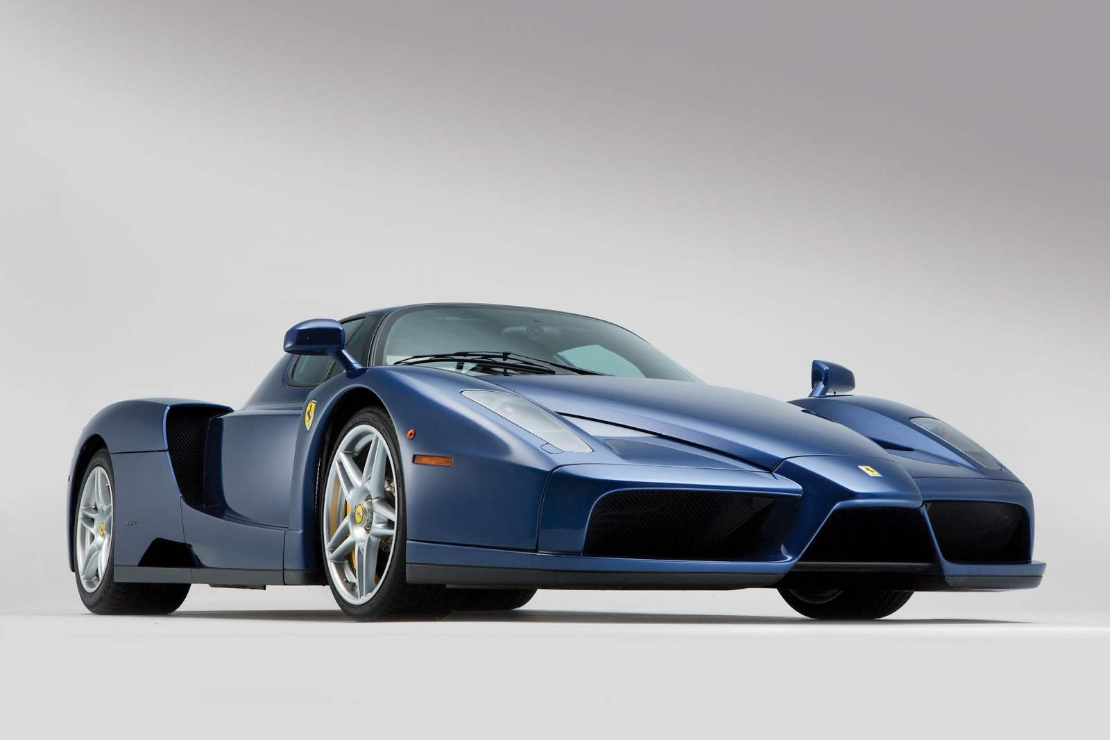 rare blue ferrari enzo heading to auction in london. Black Bedroom Furniture Sets. Home Design Ideas