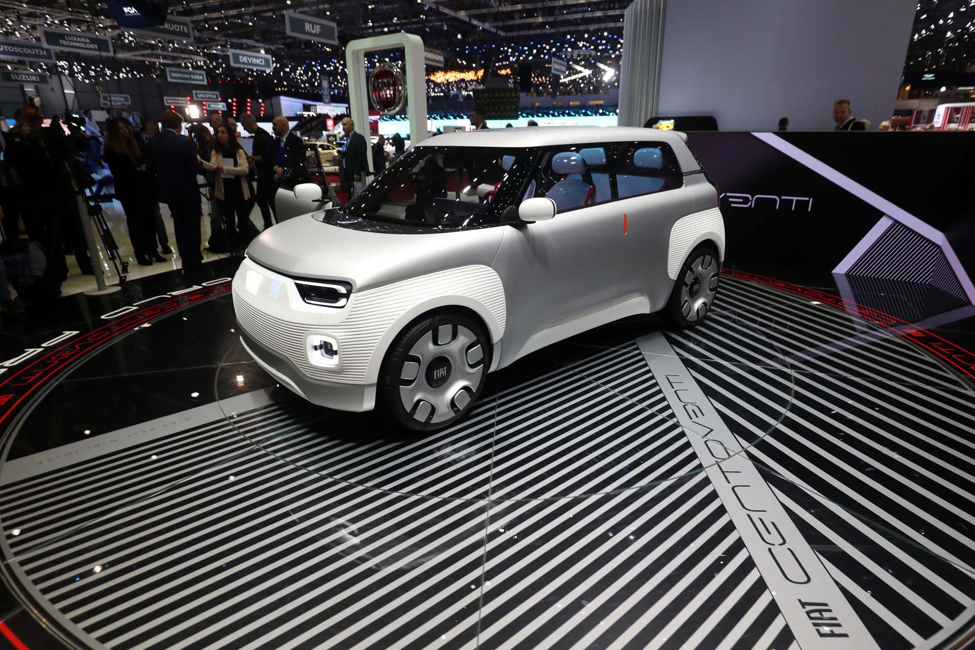 Fiat Electric Car >> Next Generation Fiat 500e Electric Car Arrives For Europe In 2020