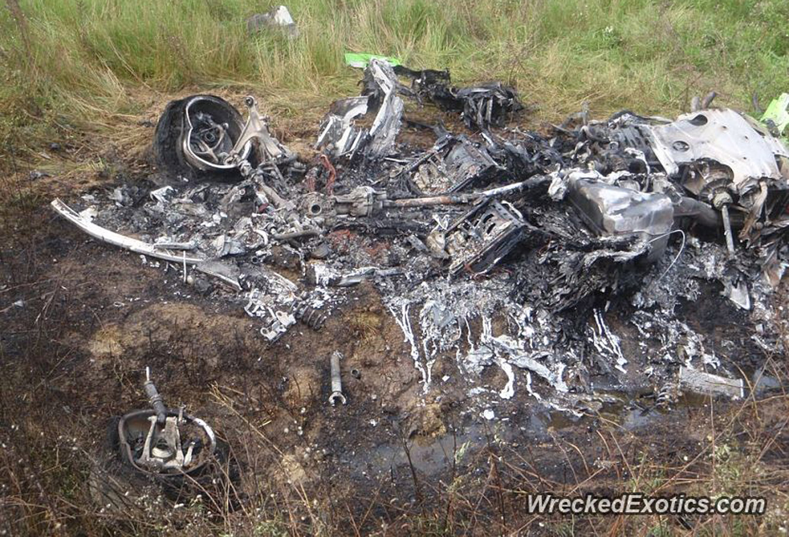 First Lamborghini Hurac 225 N Crash Results In Nothing But Ashes