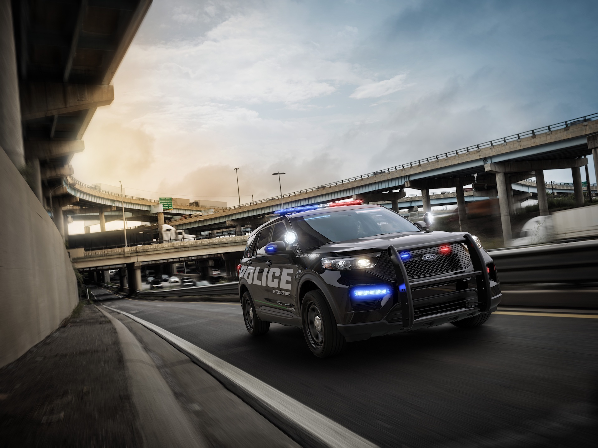 ford explorer  car revealed memorize  headlights