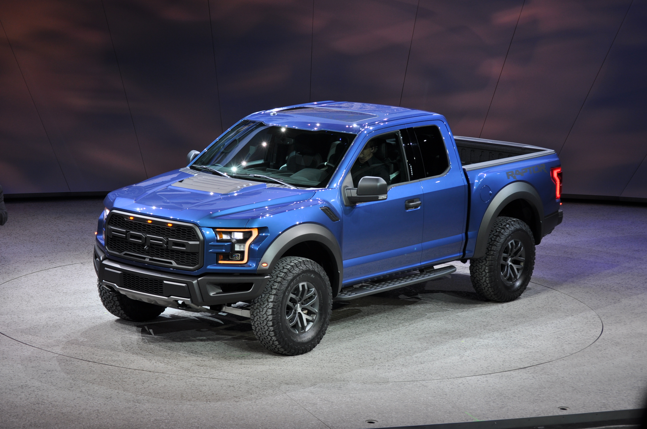 2017 ford f 150 raptor revealed with ecoboost v 6 and 10 speed auto