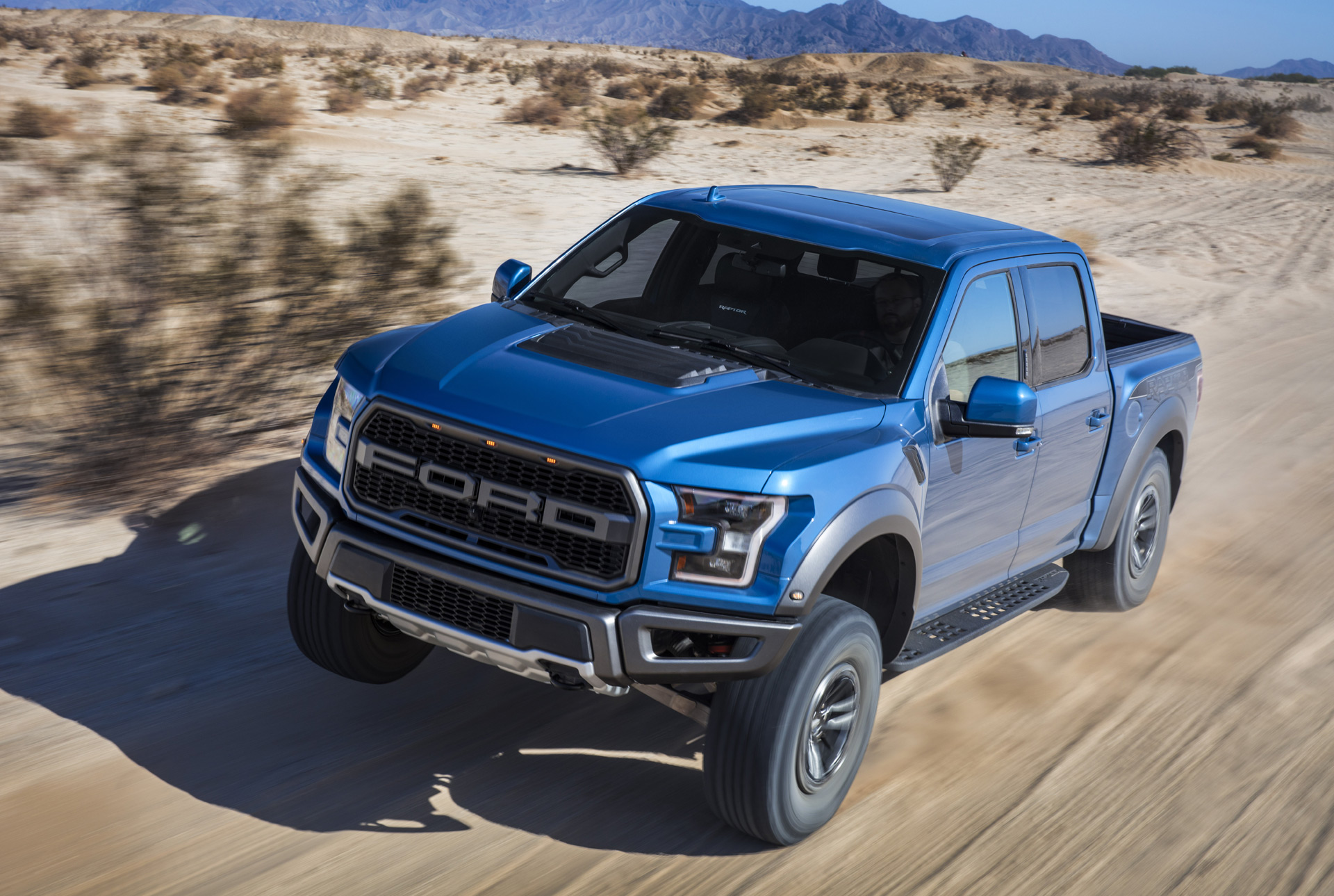 ford   raptor debuts  updated fox shocks recaro seats