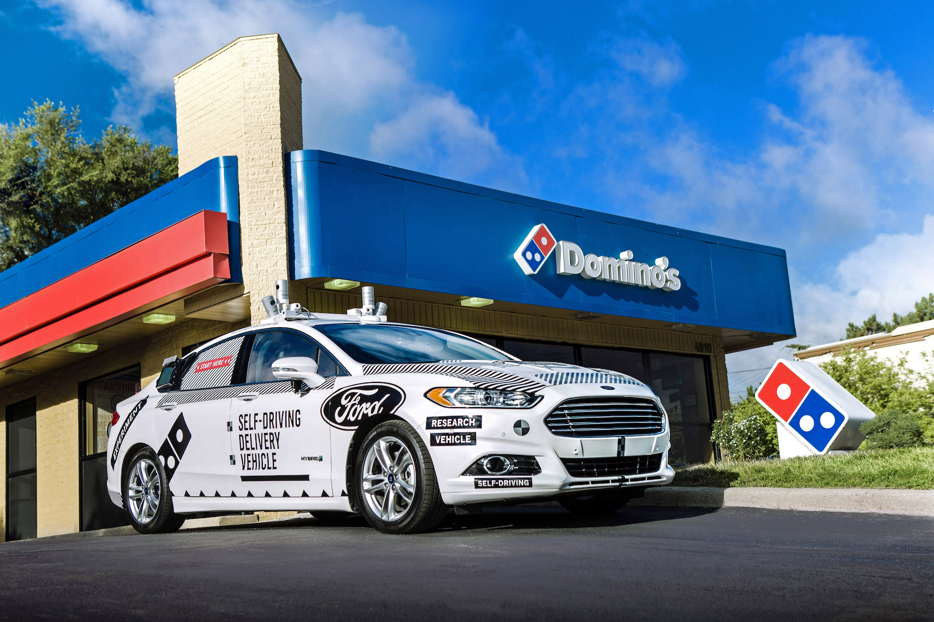 Domino's is working with Ford for autonomous pizza delivery