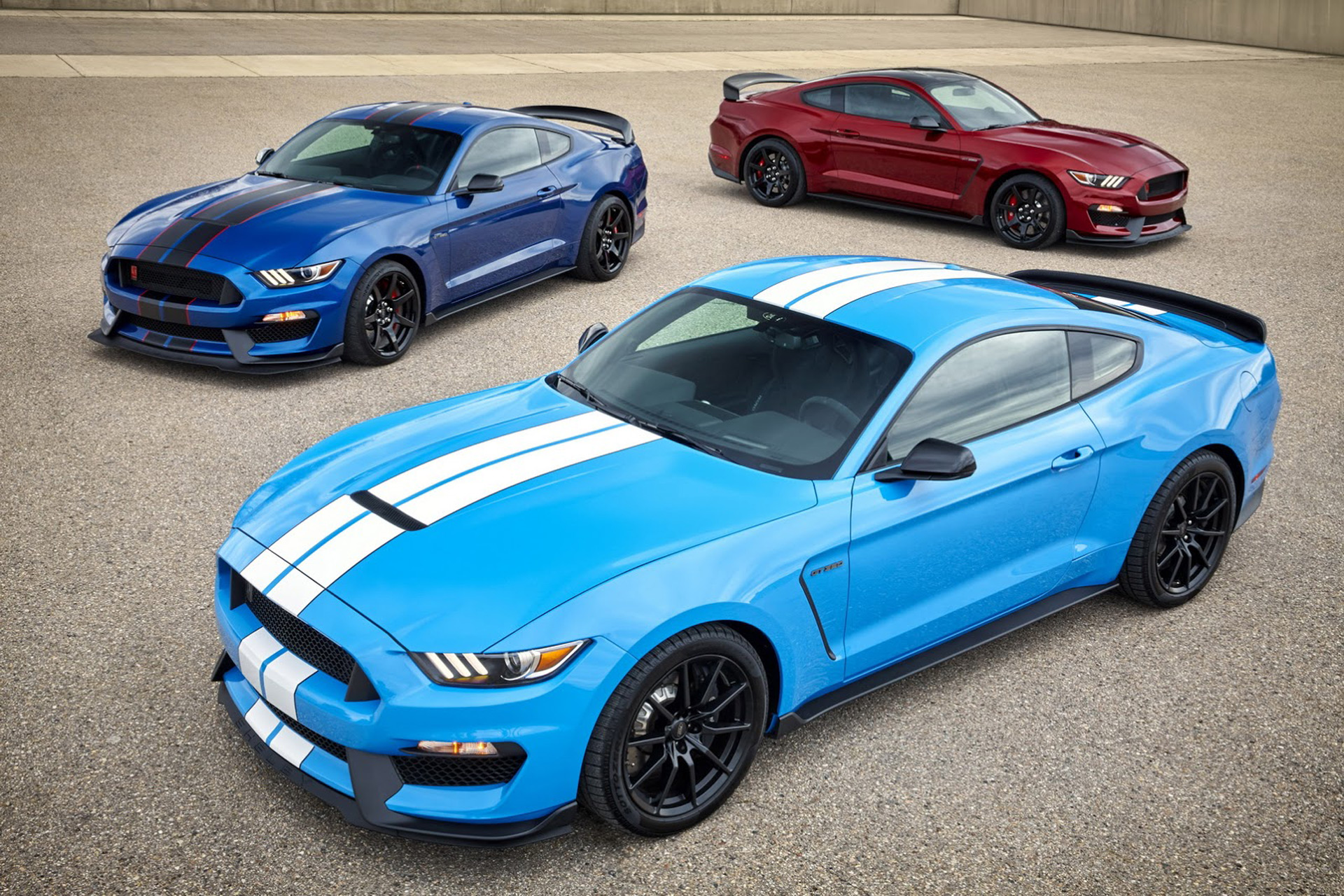 2017 ford mustang shelby gt350 gets standard track package new colors