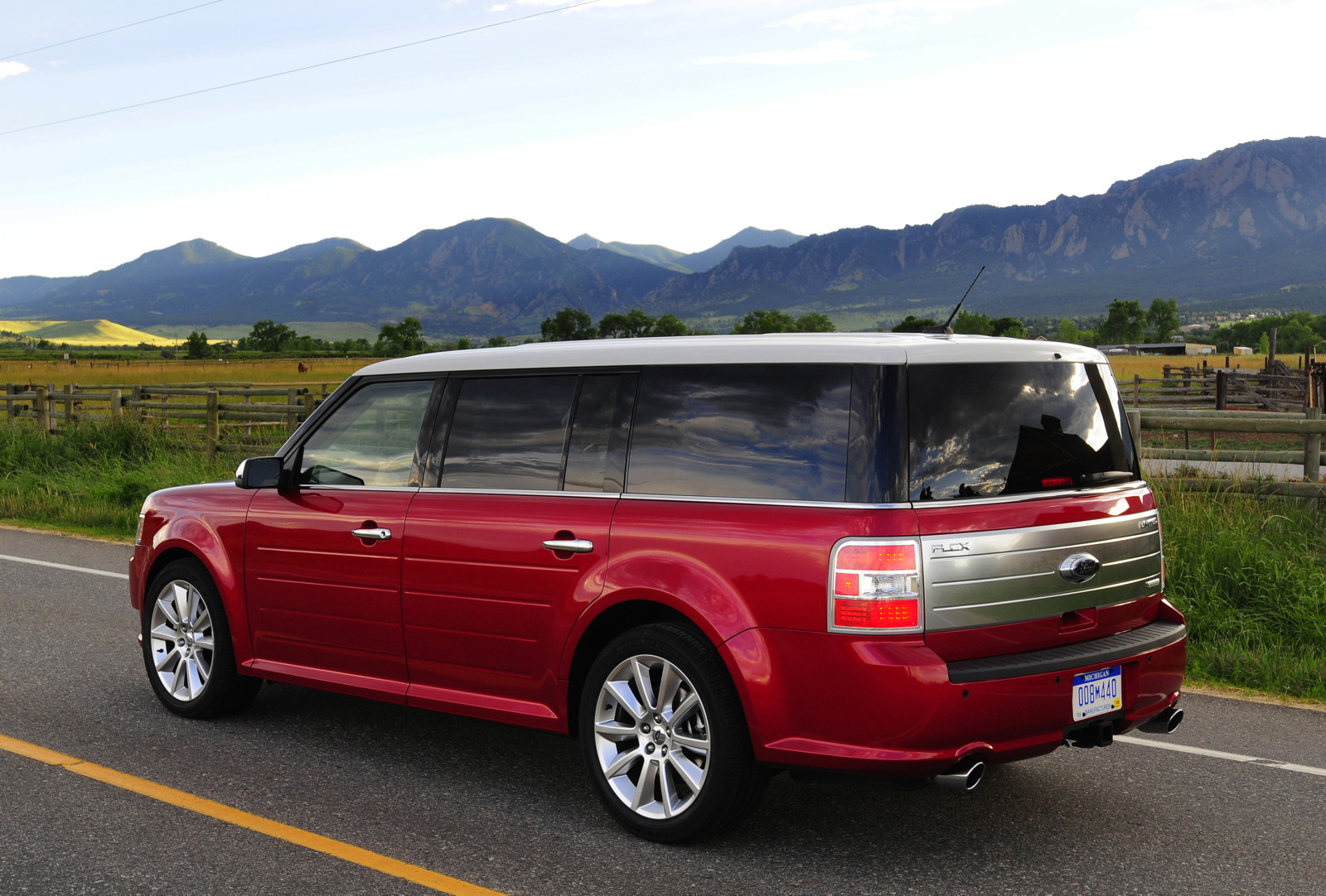 2010 ford flex review ratings specs prices and photos. Black Bedroom Furniture Sets. Home Design Ideas