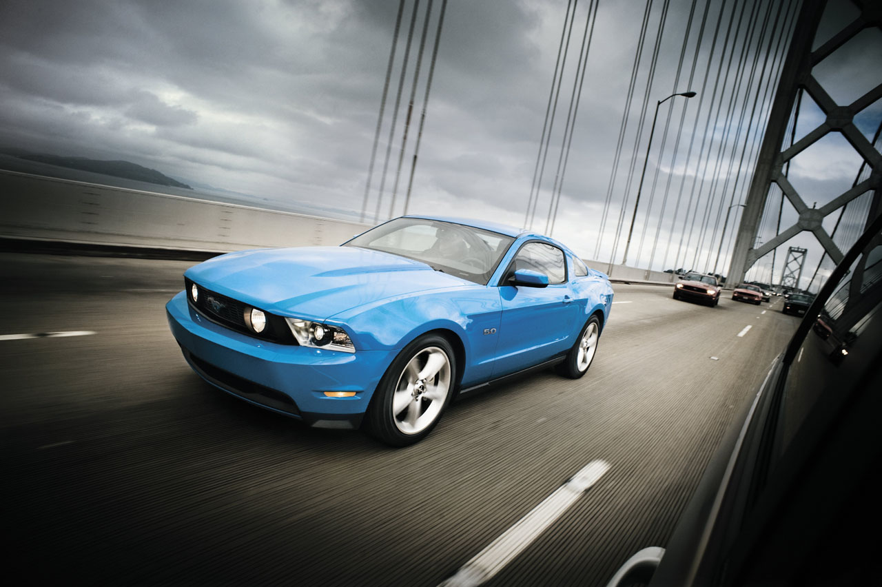 Motor trend starts fight between the bmw m3 ford mustang gt