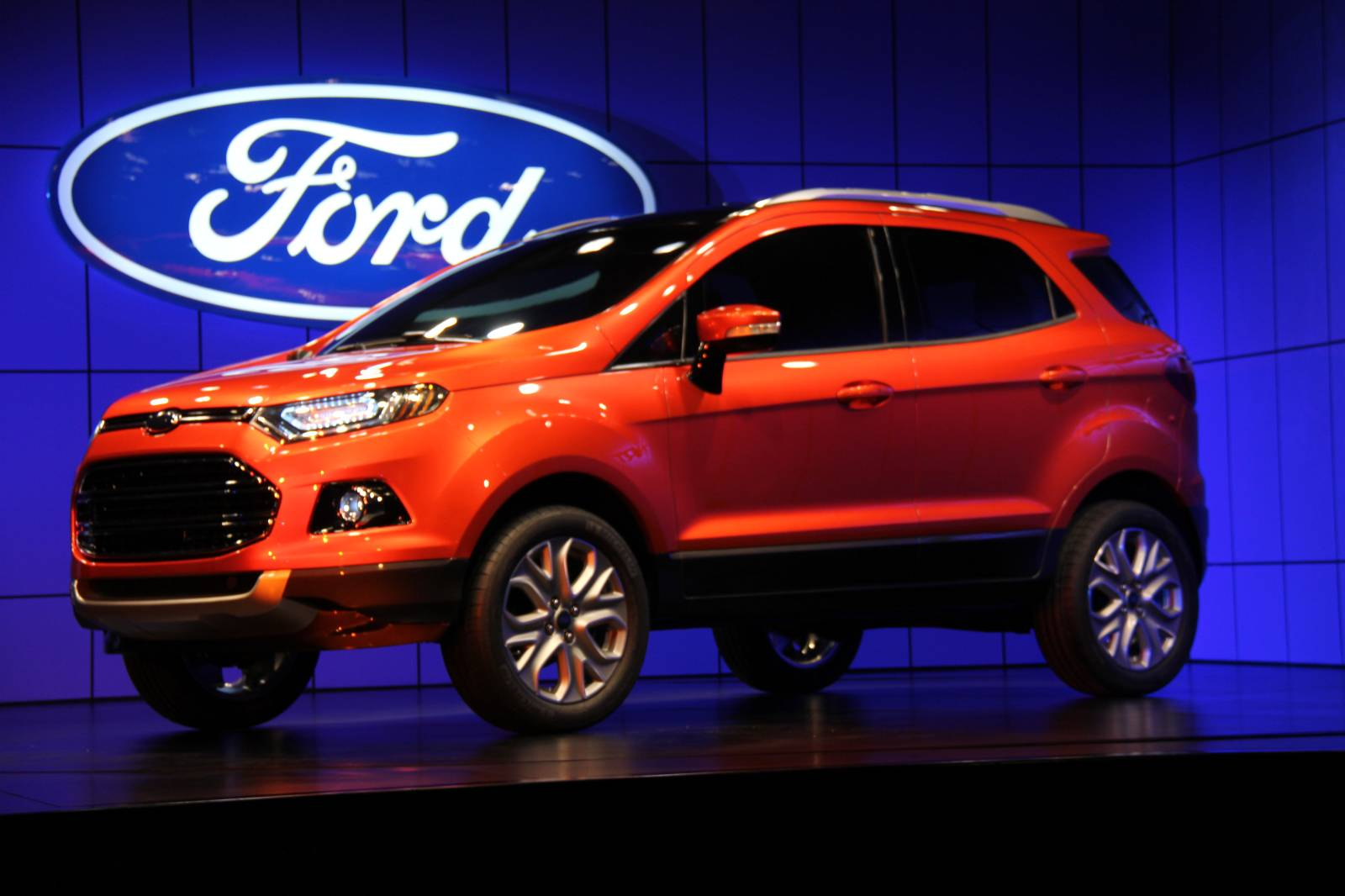 2013 ford ecosport crossover launches at delhi motor show. Black Bedroom Furniture Sets. Home Design Ideas