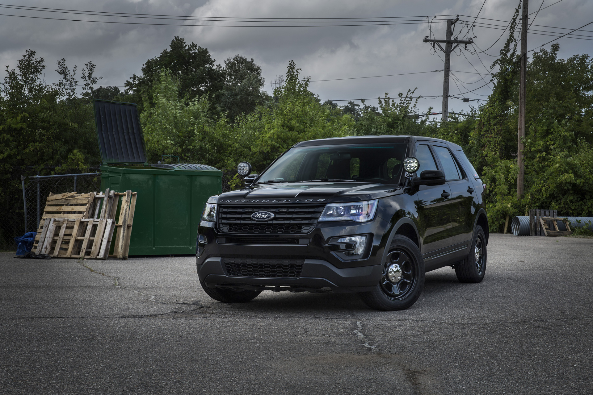 Speeders beware ford develops stealthy light bar for cop cars mozeypictures Image collections