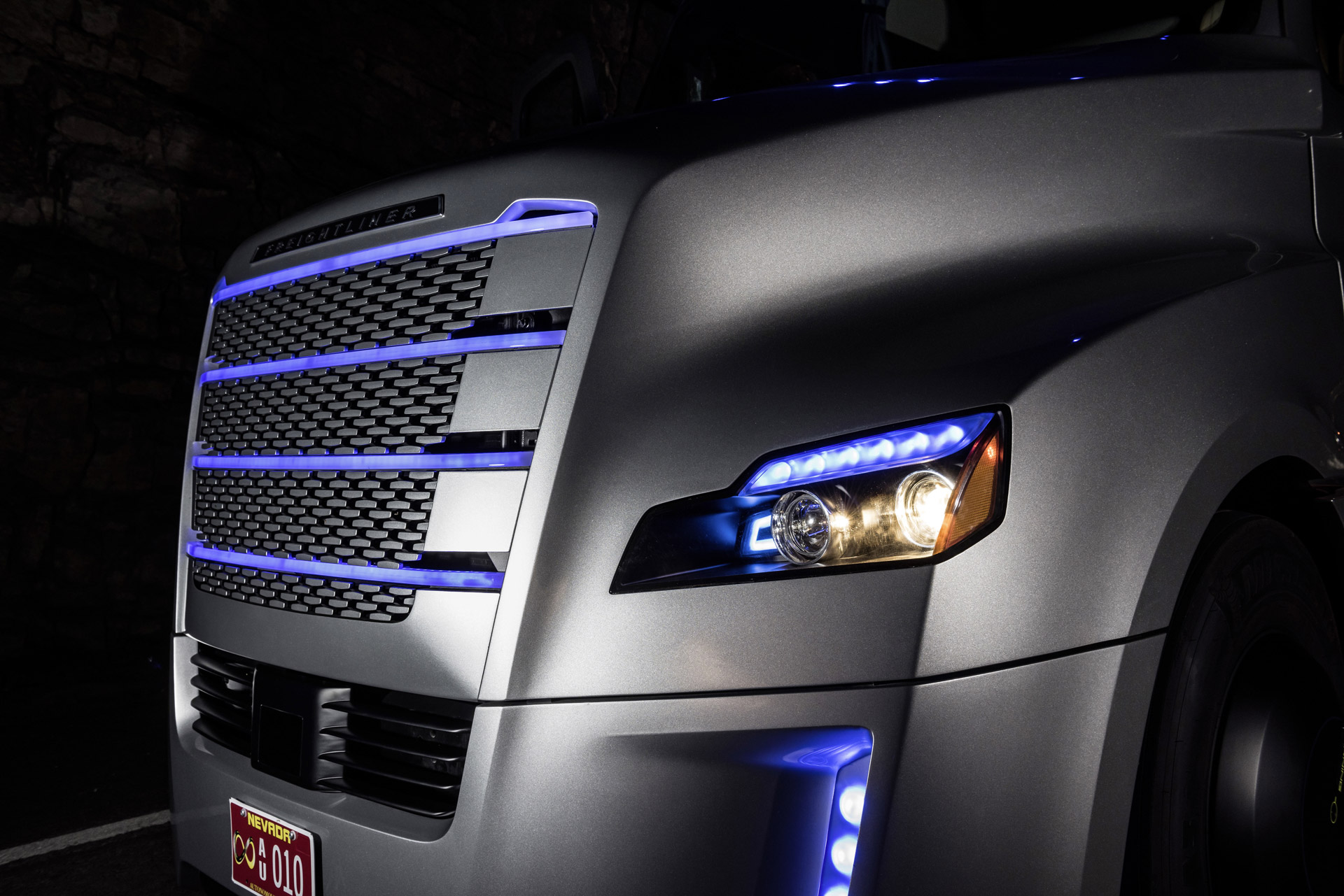2017 Porsche Panamera, Autonomous Trucks, Tesla Selling ...