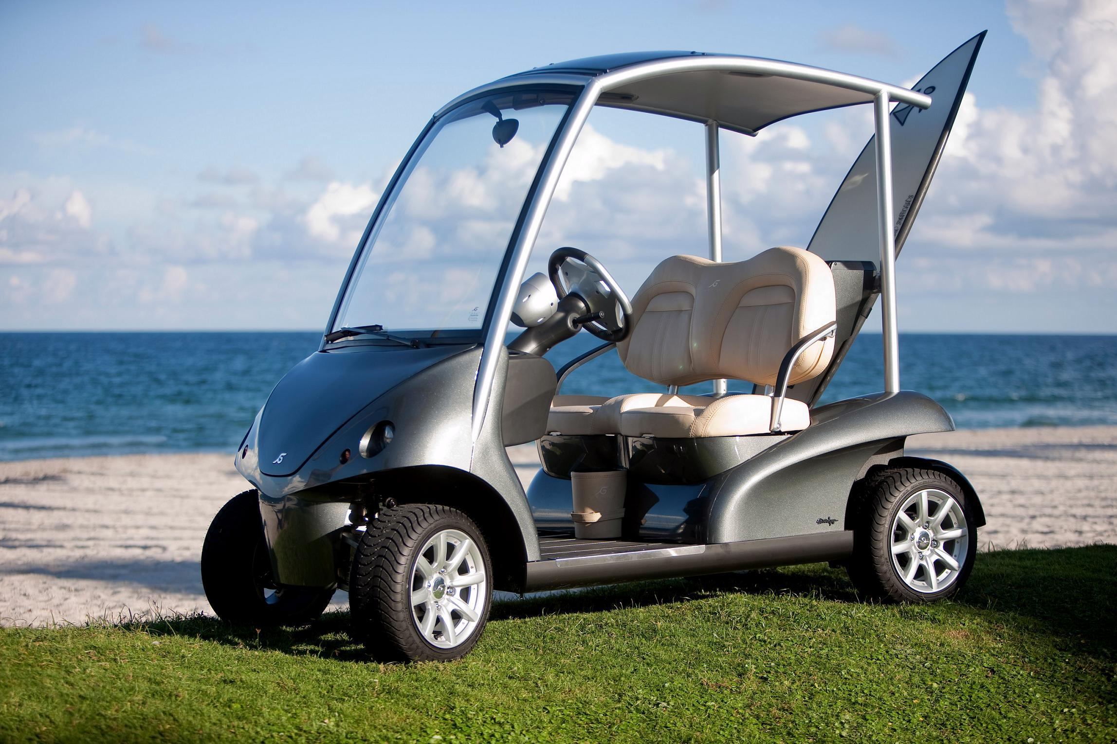 Meet garia the world s finest golf car t for Mercedes benz garia golf cart price