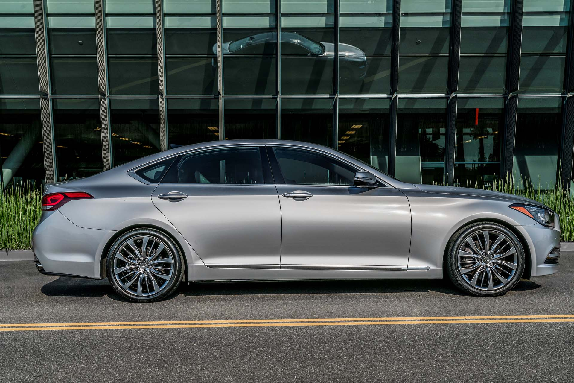 2017 Genesis G80 3.8 >> 2017 Genesis G80 Review Ratings Specs Prices And Photos