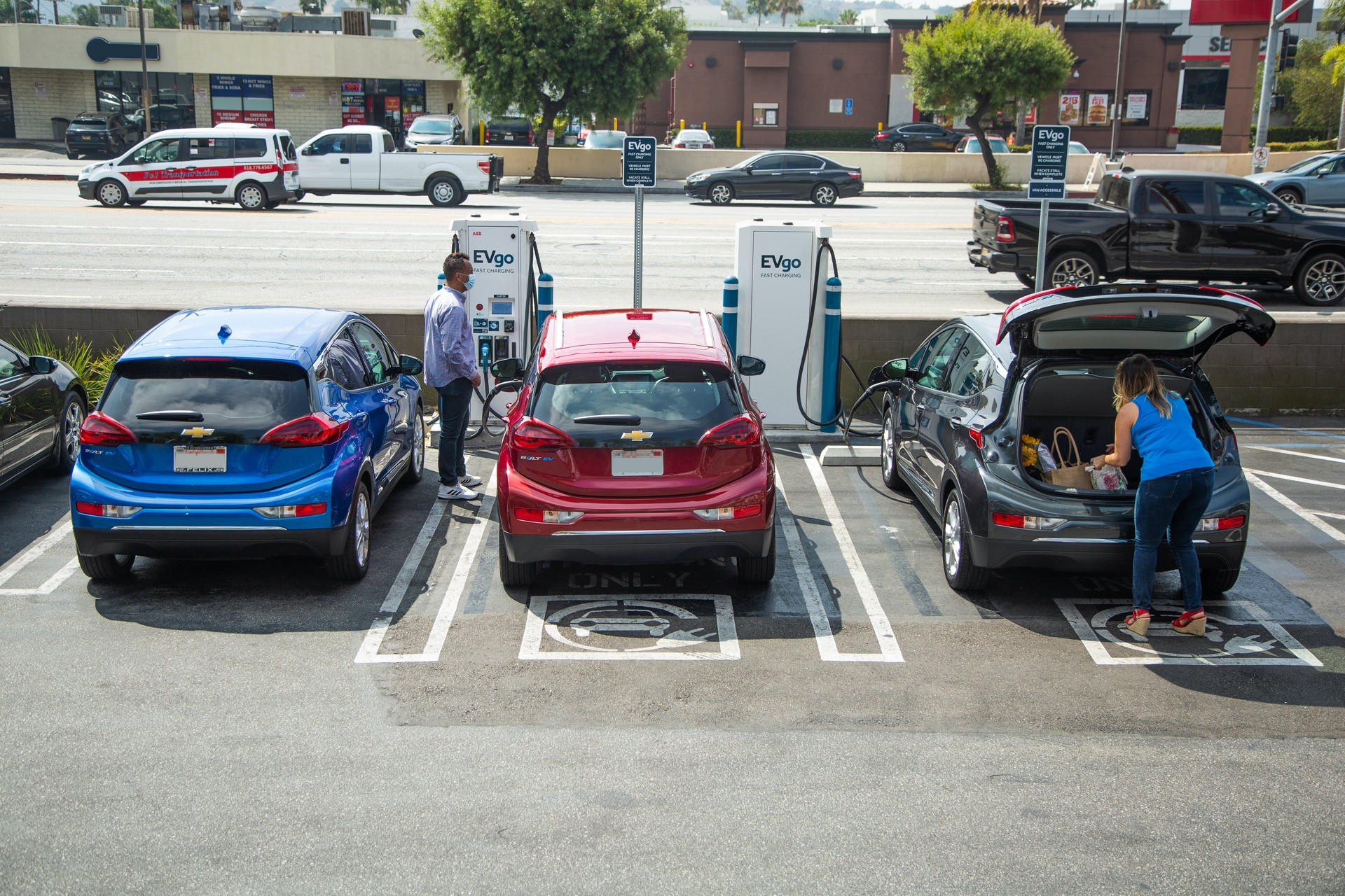 Survey: Auto-industry suppliers support more EVs, oppose Trump rollback