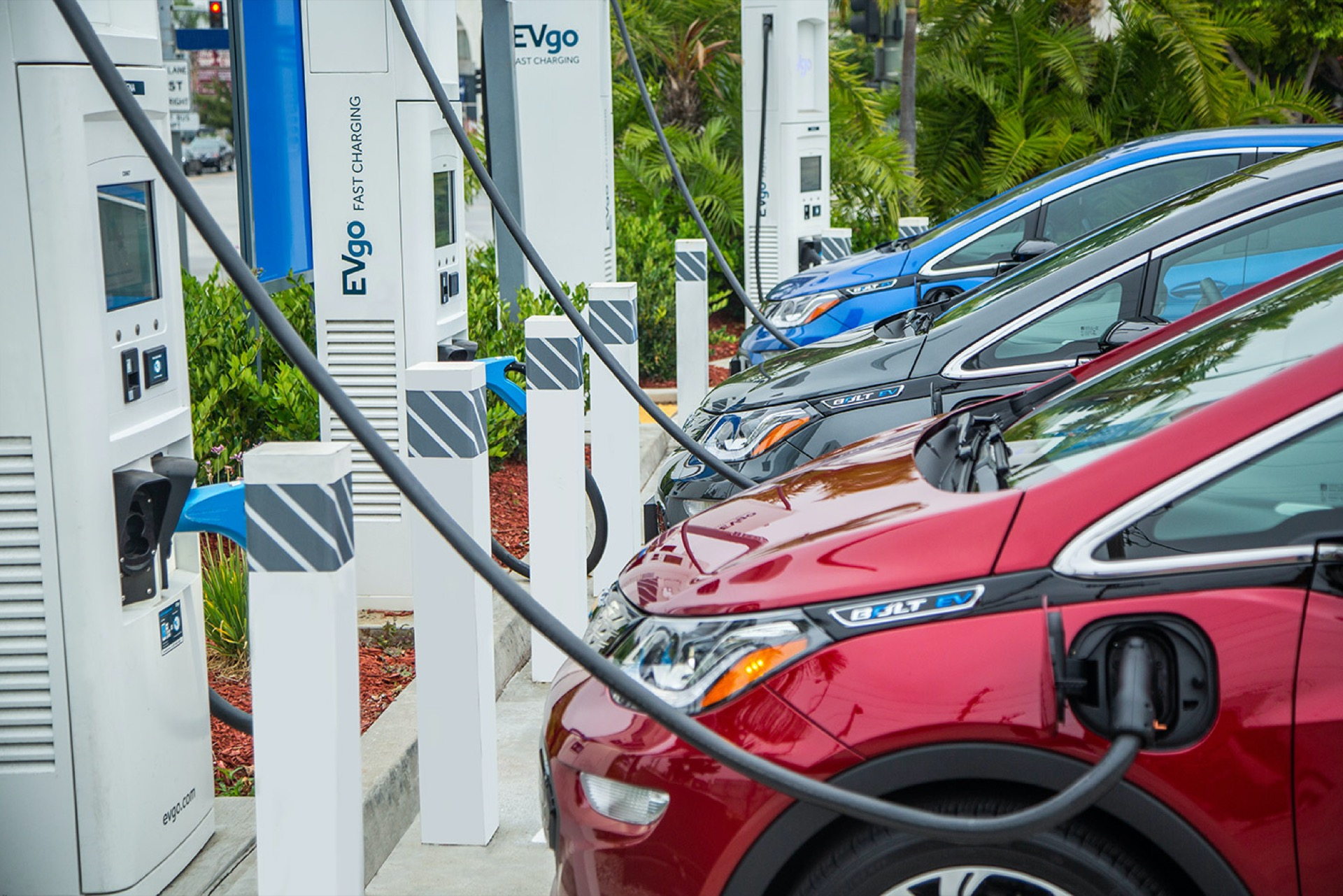 Government Planing to Convert CNG Stations into EV