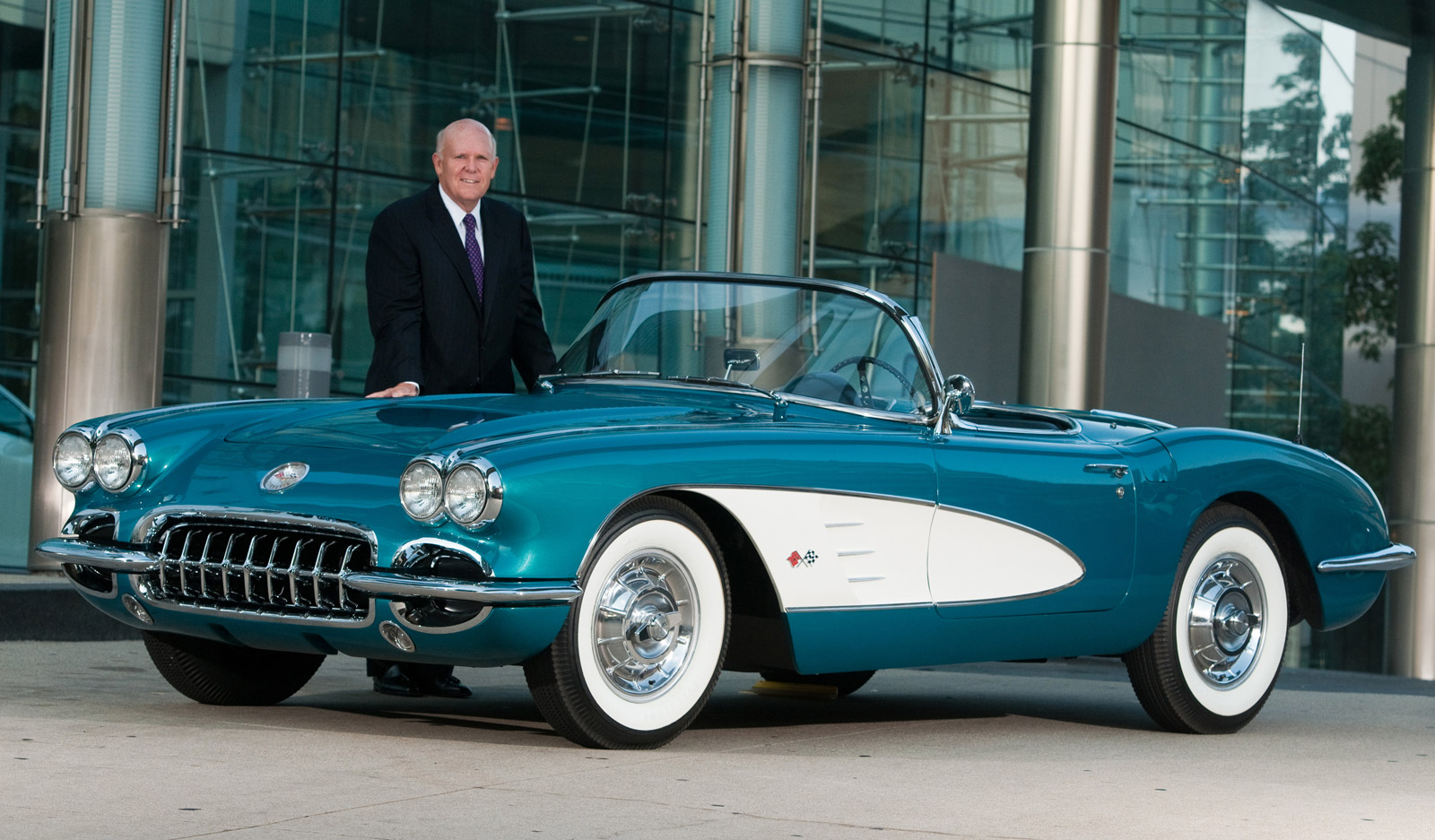 Gm Ceo S Personal 1958 Chevy Corvette To Be Auctioned For