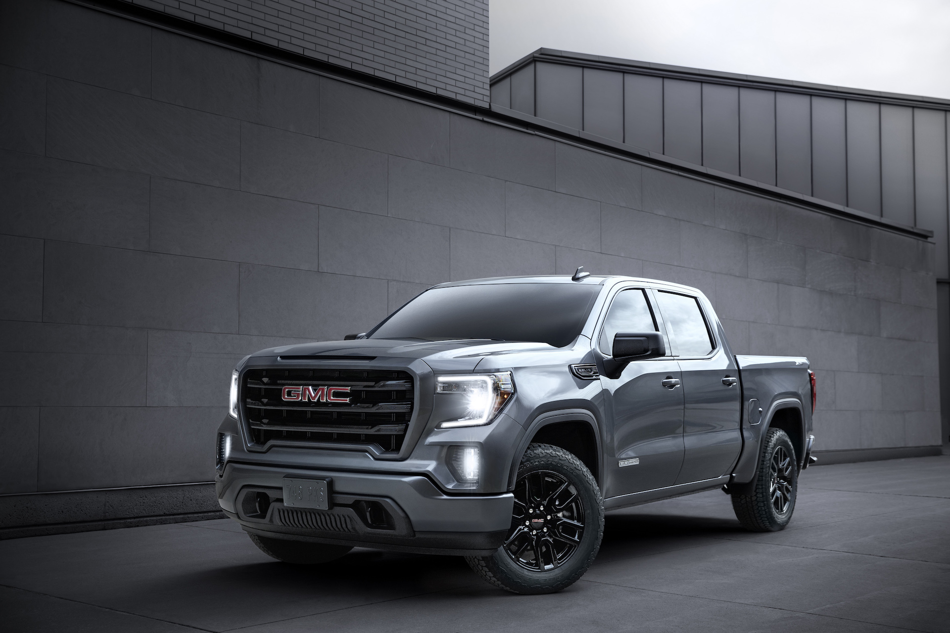 2020 GMC Sierra 1500 truck gets added tech, expanded ...