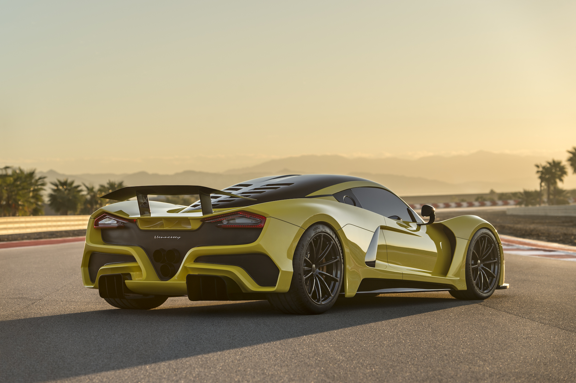hennessey venom f5, bmw x4 spy video, mercedes g550 4x4 squared: car
