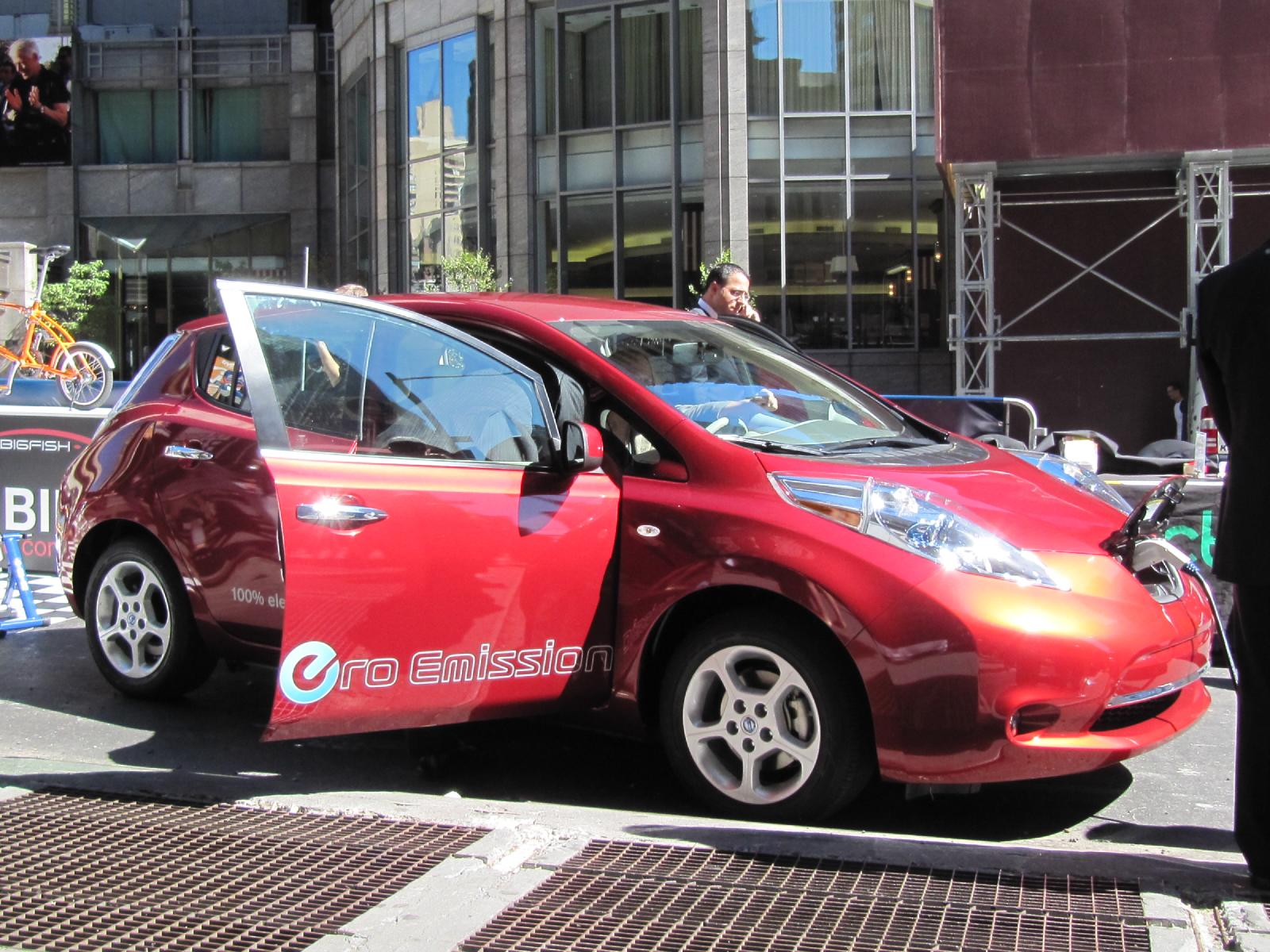 Electric Car Rental >> Hertz Marriott Bring Electric Cars And Hotels Together In