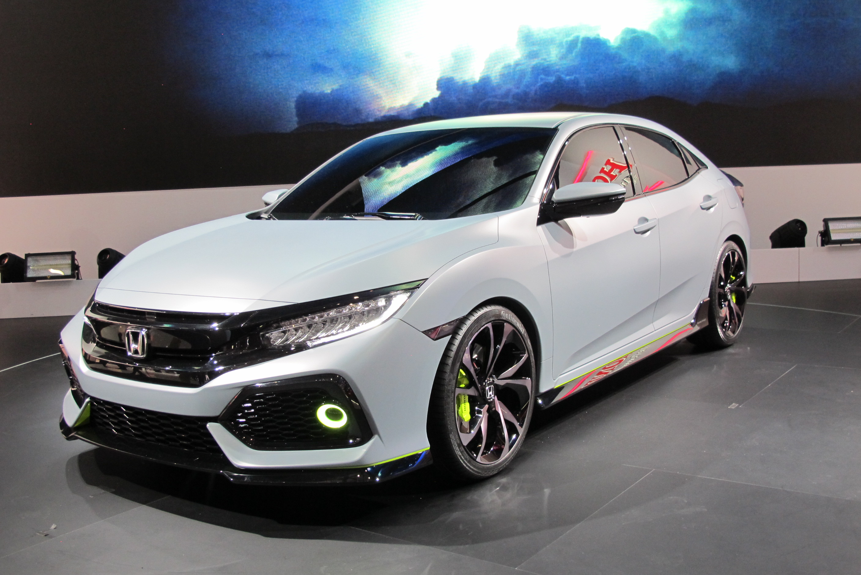 2017 honda civic hatchback unveiled in geneva for Honda civic wagon 2017