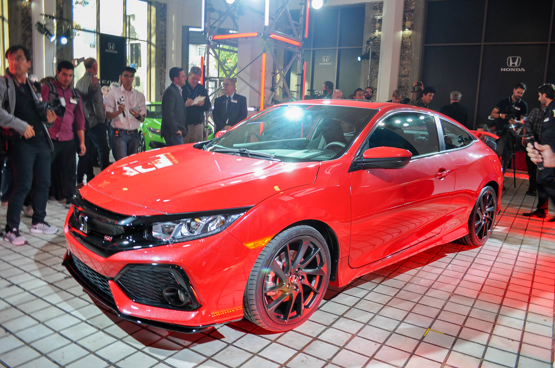 Honda Civic Si Coupe Prototype Debuts At LA Auto Show - La auto show car debuts