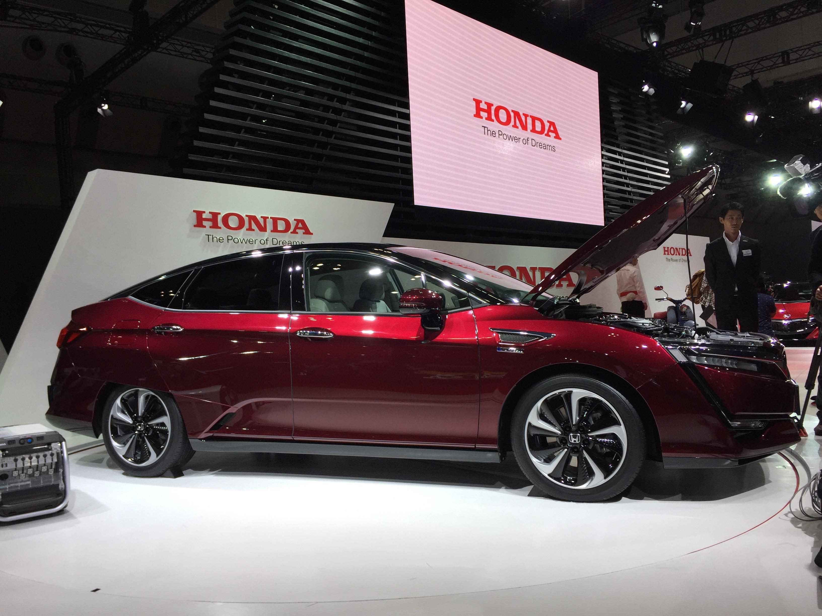 2017 Honda Clarity Fuel Cell Sedan Live Photos More