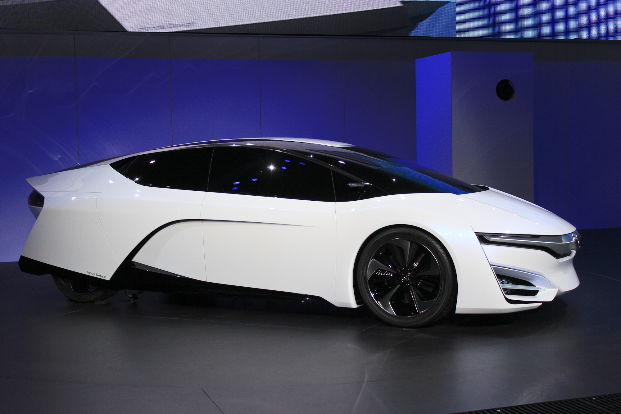 honda and hybrid electric vehicles 2 essay Free essay: honda and hybrid electric vehicles honda was founded in hamamatsu, japan, by soichiro honda in 1946 as the honda technical research institute.
