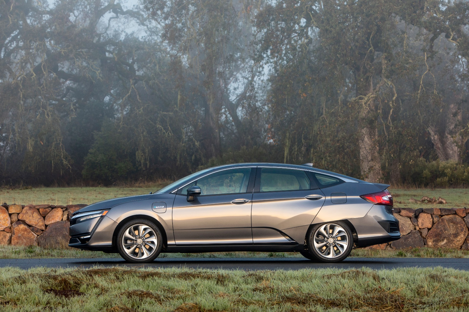 Honda Clarity Plug-In Hybrid is gone after 2021, but Clarity Fuel Cell will linger into 2022