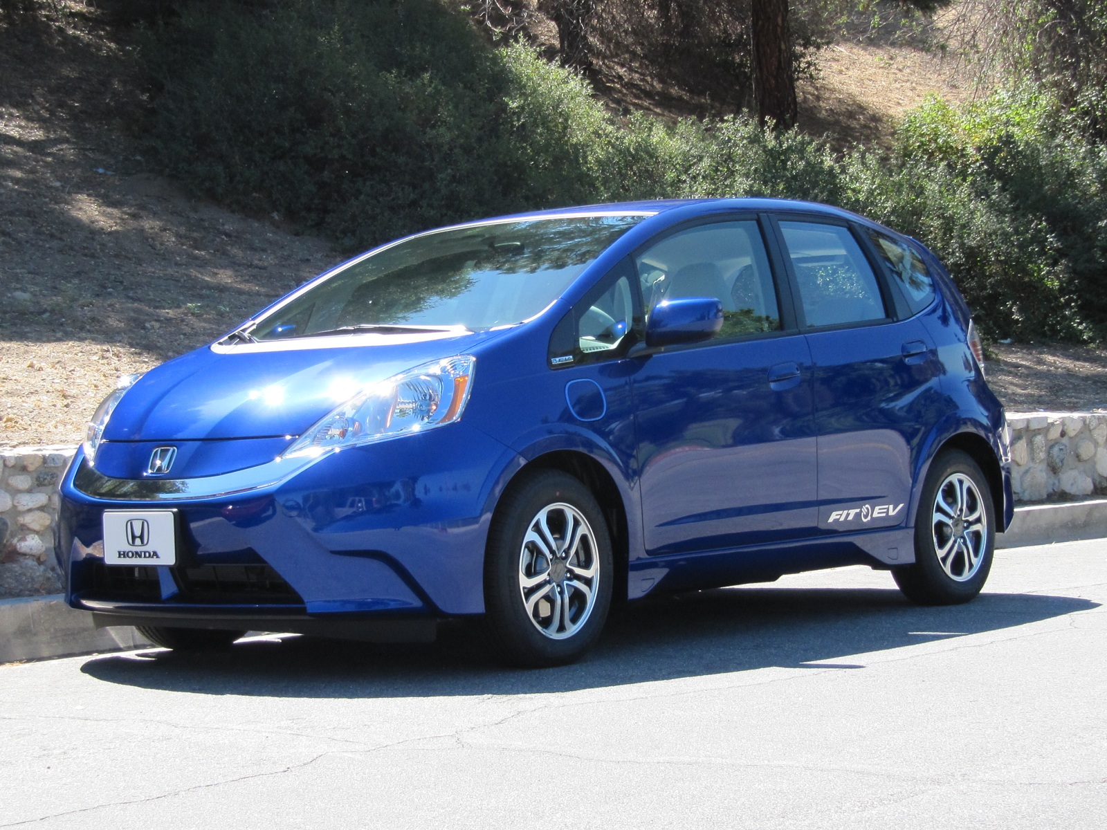 Price Cuts Work Waiting Lists For Electric Honda Fit EVs Now