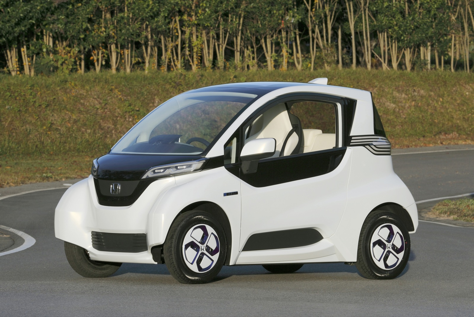 Honda Electric Micro Commuter Car To Begin Testing In Japan