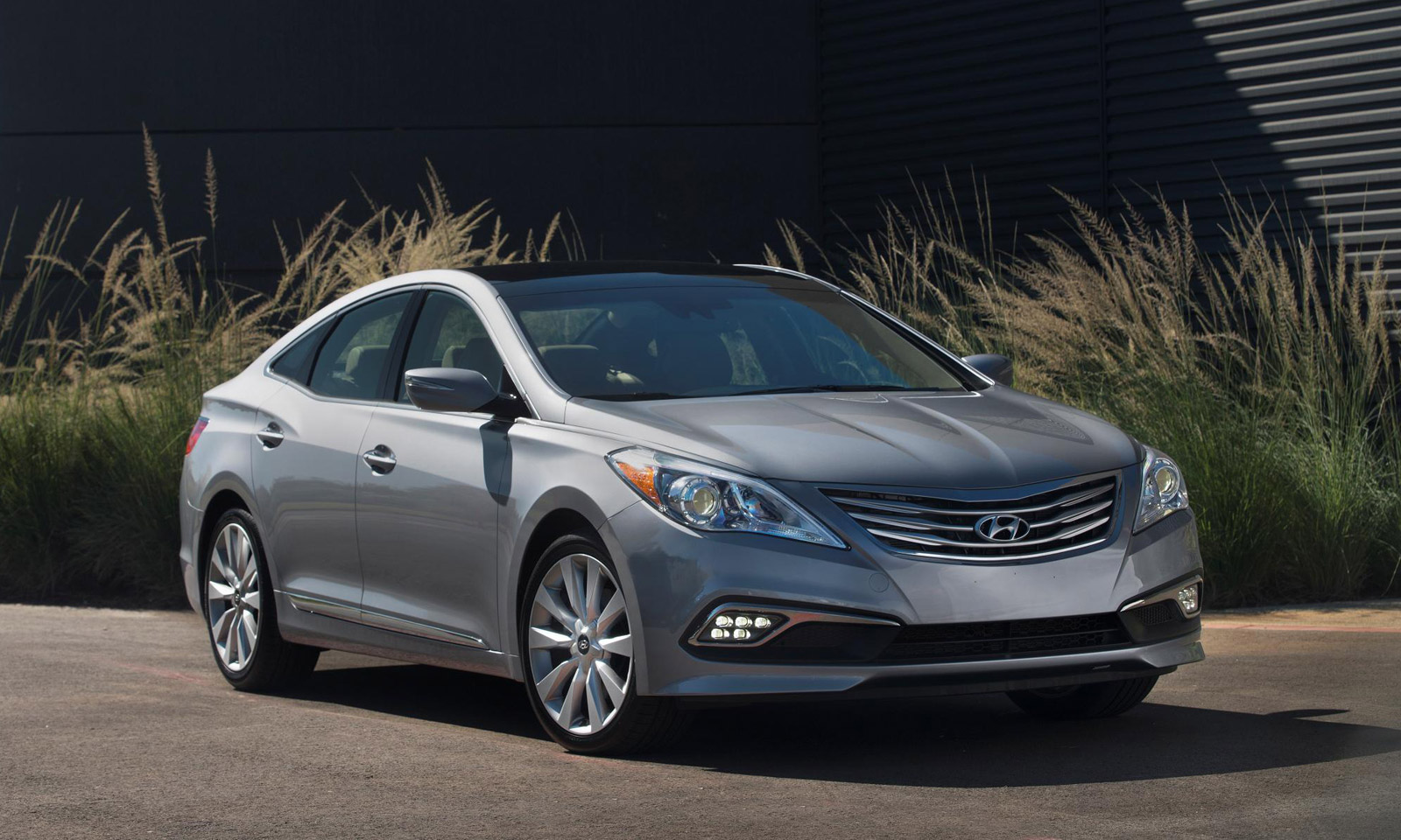 2015 Hyundai Azera Gets New Look, More Tech