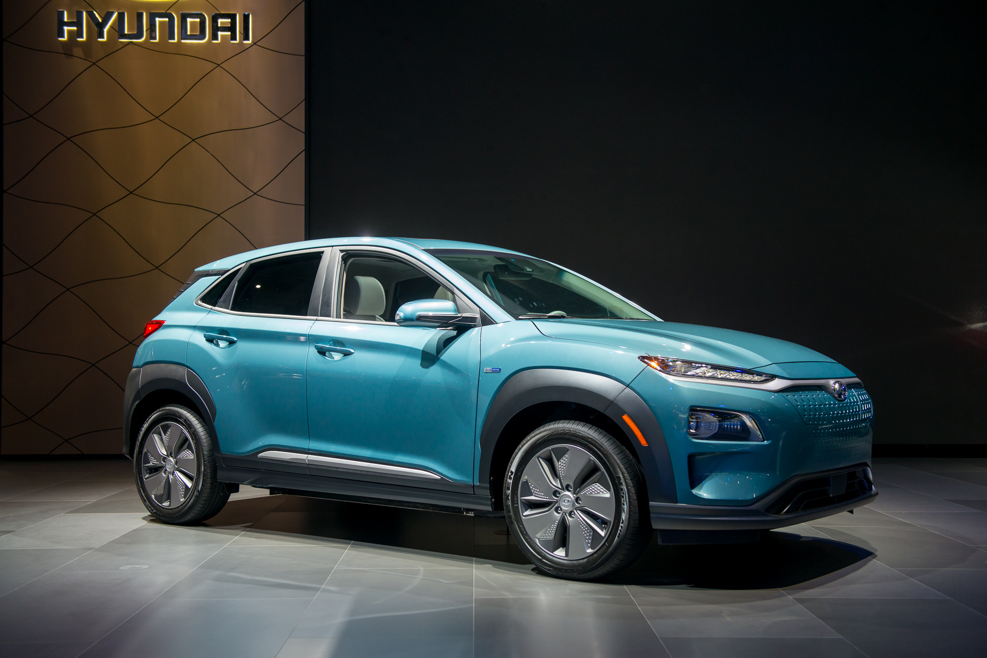 2019 Hyundai Kona Electric Us Debut 250 Miles Of Range From Small Hatchback