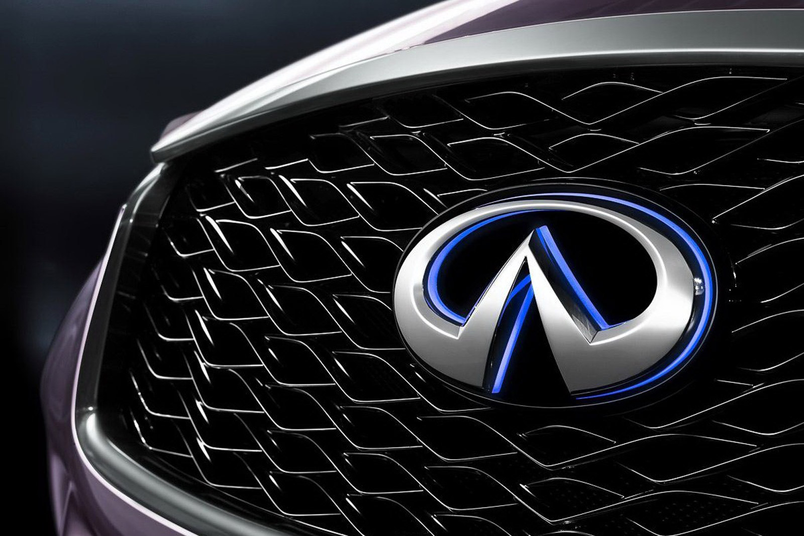 Infiniti Thinking About Shapely Four Door On Mercedes Benz