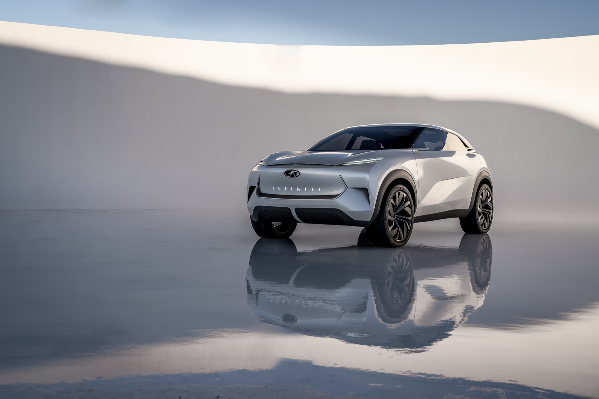 Infiniti Bets Its Future On Electric Cars And Hybrid Tech It Hasn T Yet Named